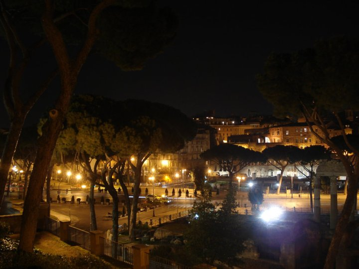 07-rome-at-night_1
